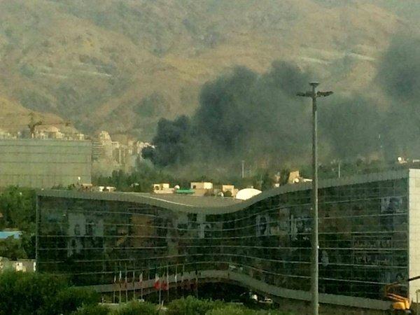 آتشسوزی گسترده در یکی از انبارهای نمایشگاه بینالمللی تهران+فیلم