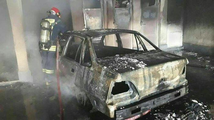 آتش سوزی سنگین در مجتمع ۵ طبقه و فرار ساکنان به پشت بام