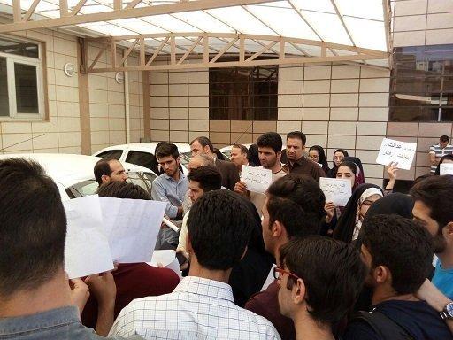 تجمع دانشجویان پرستاری زنجان در اعتراض به مافیای سلامت در پشت پرده طرح تربیت پرستار بیمارستانی