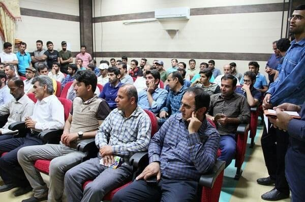 تجمع جوانان متقاضی کارشهرستان مُهربرای اشتغال مقابل فرمانداری