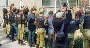 تصاویری از لشکرکشی نیروهای امنیتی برای ممانعت از تجمع مالباختگان مقابل بانک مرکزی