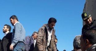 حضور مدیرعامل شرکت نیشکر هفت تپه به همراهی اسکورت و نیروی انتظامی در میان کارگران