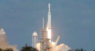 بزرگترین راکت فضایی جهان به فضا پرتاب شد
