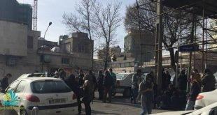 تجمع خانواده های بازداشت شدگان ۸ مارس در مقابل کلانتری وزرا