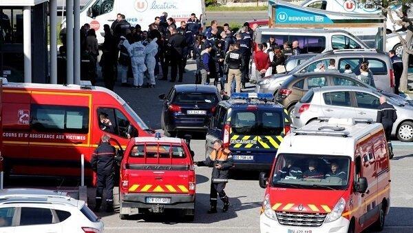 در حملات تروریستی و گروگانگیری در جنوب فرانسه ٣ تن کشته و ١٦ نفر زخمی شدند