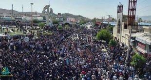 تجمع بزرگ مردم کازرون در اعتراض به طرح تقسیم این شهر