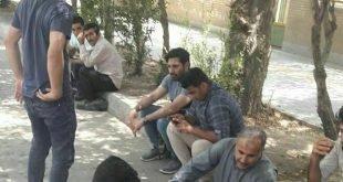 تجمع اعتراضی کارگران گروه ملی فولاد اهواز در مقابل دادگستری