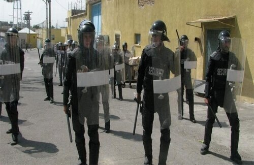 حمله شبانه گارد زندان رجایی شهر به بندها و سرقت و تخریب اموال زندانیان