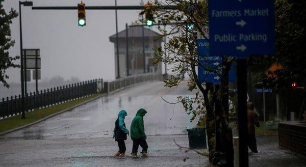 طوفان فلورنس، 5 کشته، سیلاب و بی برقی