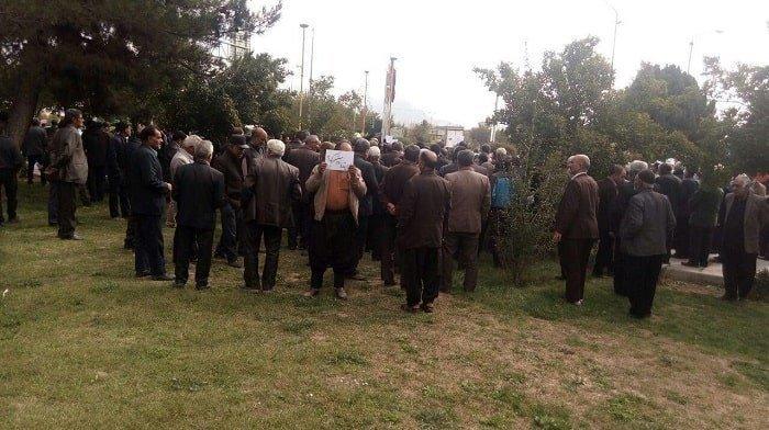 راهپیمایی شمار زیادی از کشاورزان غرب اصفهان در اعتراض به قطع حقآبه