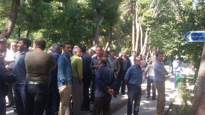 تجمع اعتراضی رانندگان اعتصابی در هجدهمین روز اعتصاب سراسری در شهرهای مختلف
