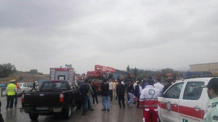 واژگونی اتوبوس حامل دانش آموزان تبریزی و کشته و مجروح شدن تعدادی از آنان