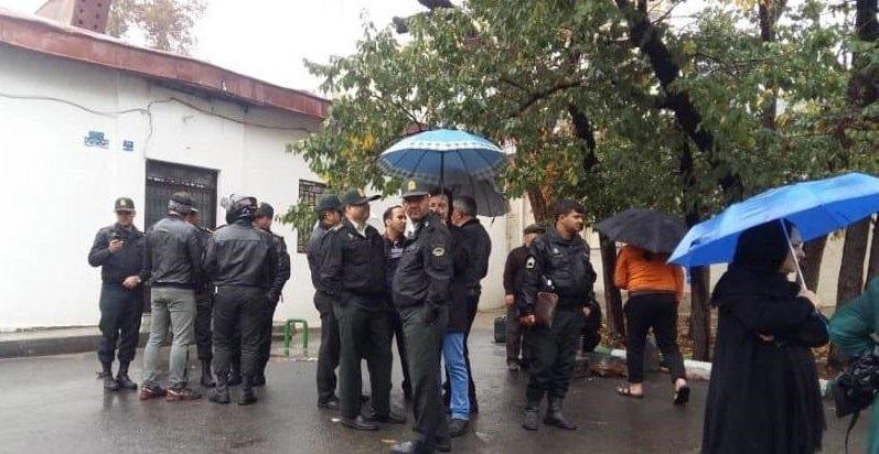 اعتراضات اهالی ده ونک تهران، علیه تخریب خانه هایشان