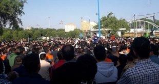 راهپیمایی بزرگ کارگران هفت تپه به همراه خانواده هایشان