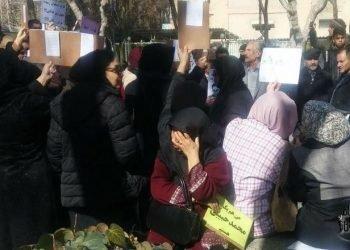 فریاد یکی از زنان معلم خطاب به مأموران اطلاعاتی