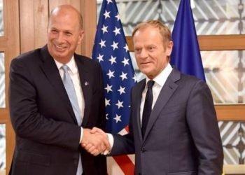 نماینده آمریکا دراتحادیه اروپا شرکتهای اروپایی را در صورت تجارت با ایران بهاقدامات تلافیجویانه تهدید کرد