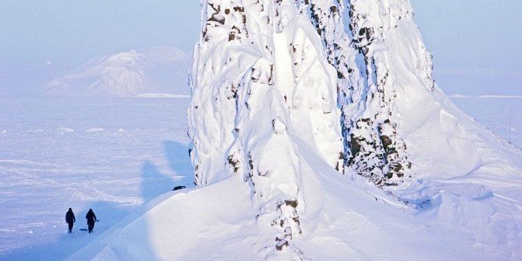 جابجایی قطب شمال مغناطیسی زمین با سرعت ۵۰ تا ۶۰ کیلومتر در سال