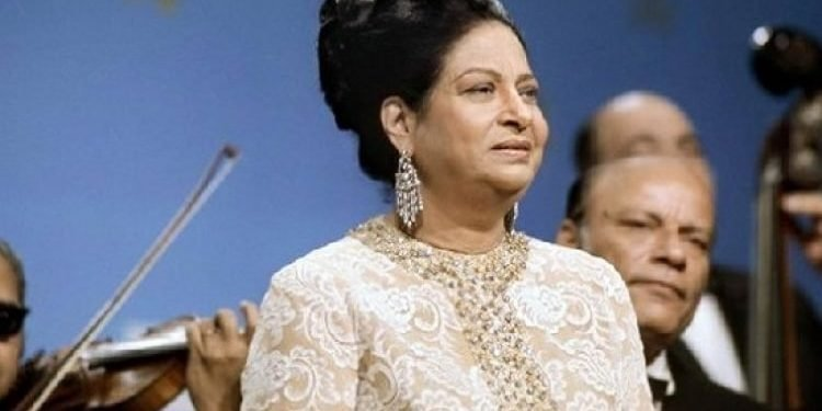 ام کلثوم خواننده ای که دنیای عرب را تکان داد