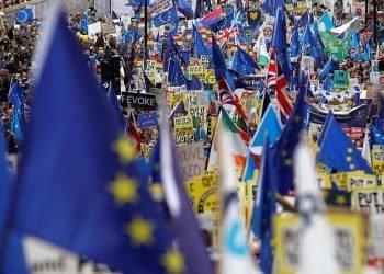 تظاهرات بزرگ بریتانیاییها برای رفراندوم جدید و ماندن در اتحادیه اروپا