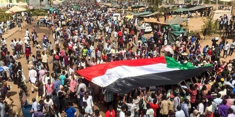 عمر البشیر از ریاستجمهوری سودان کنارهگیری کرد