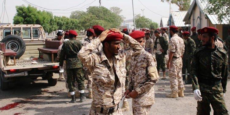 حمله به یک رژه نظامی در یمن حداقل ۳۲ کشته بر جای گذاشت