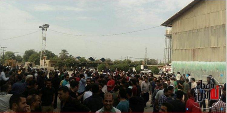 اعتصاب و اعتراض کارگران نیشکر هفت تپه با شعار هیهات مناالذله