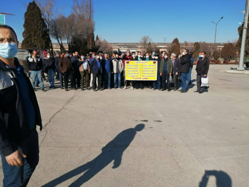 تجمع اعتراضی کارگران هپکو اراک نسبت به شرایط بد تولید شرکت -۲